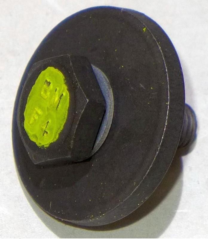 Original JOHN DEERE Messerschraube LTR155 LTR166 LTR180 AM127890